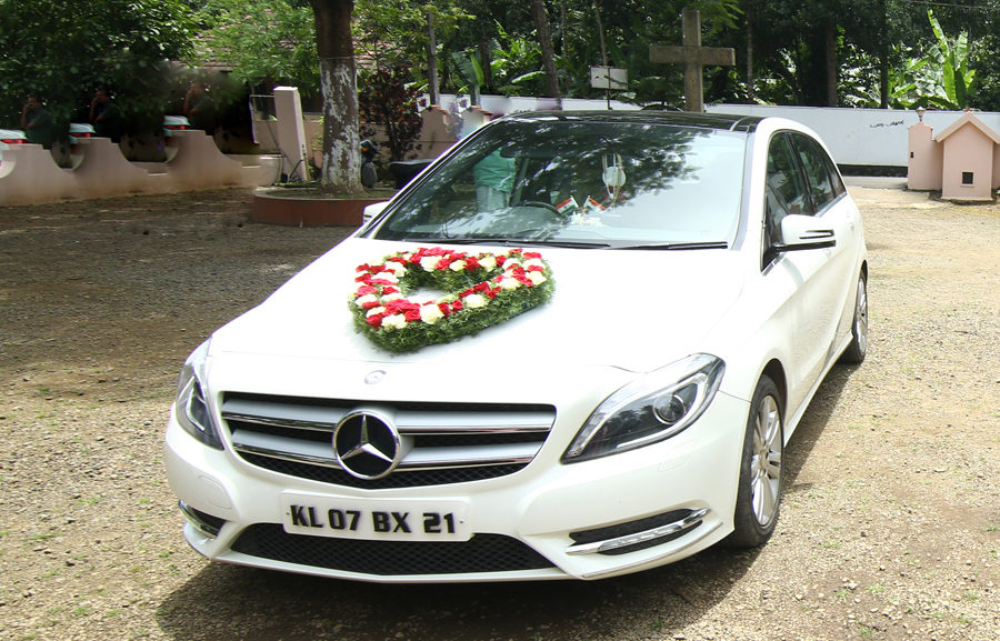 Luxury-Car-Rental-Thrissur-Kerala-1